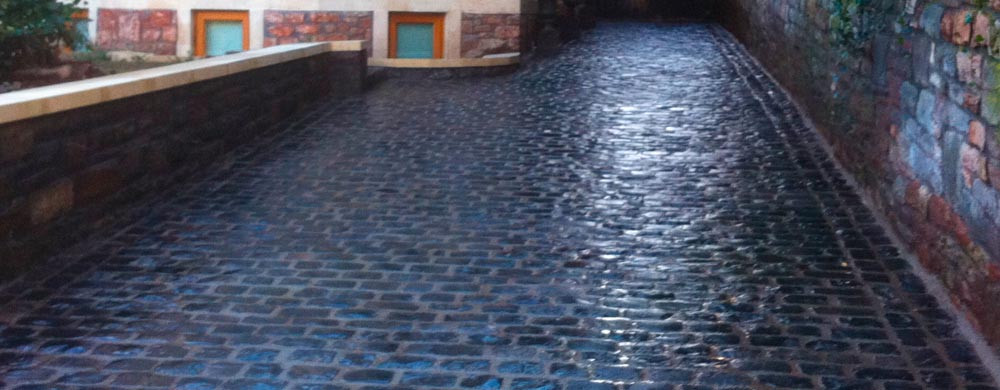 banner-cobbled-driveway