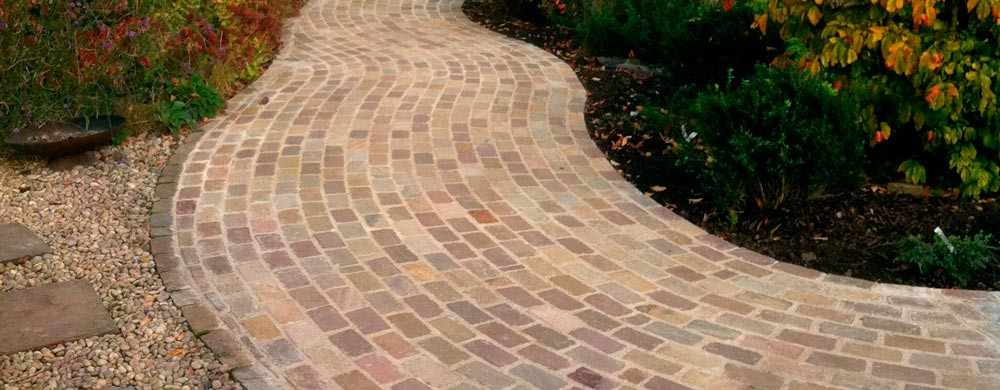 banner-cobbled-pathway