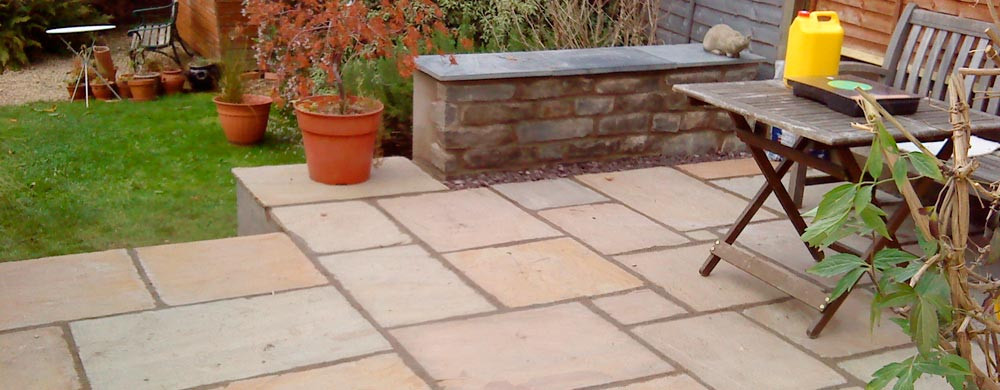 banner-fishponds-patio